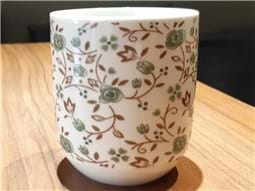 Green flowers porcelain cup